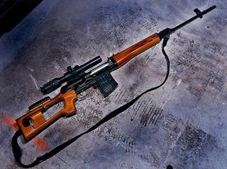 スナイパーライフルと狙撃手