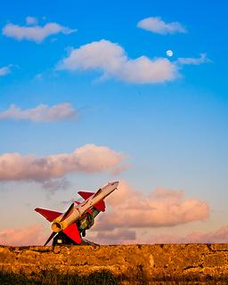 misil apuntando a la luna (de EEUU)