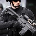 銃の可能性を拡大させるアクセサリ