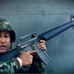 AKと双璧をなすライフル、M16
