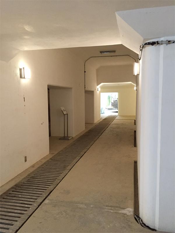 階段から砲塔への通路