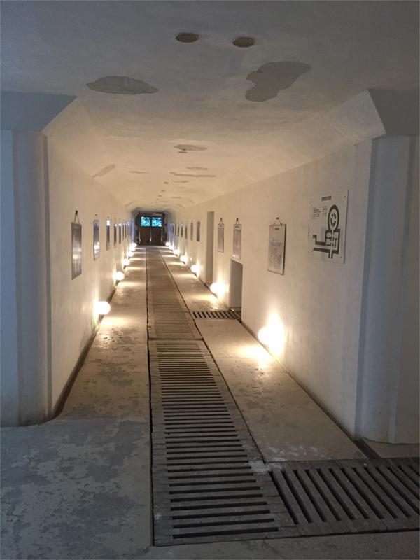 貯水槽への通路