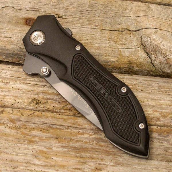 S&Wのナイフ