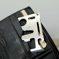 カードポケットに収まるサイズ