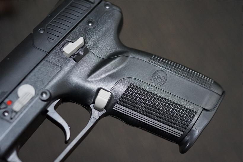 FN5-7のハンドル