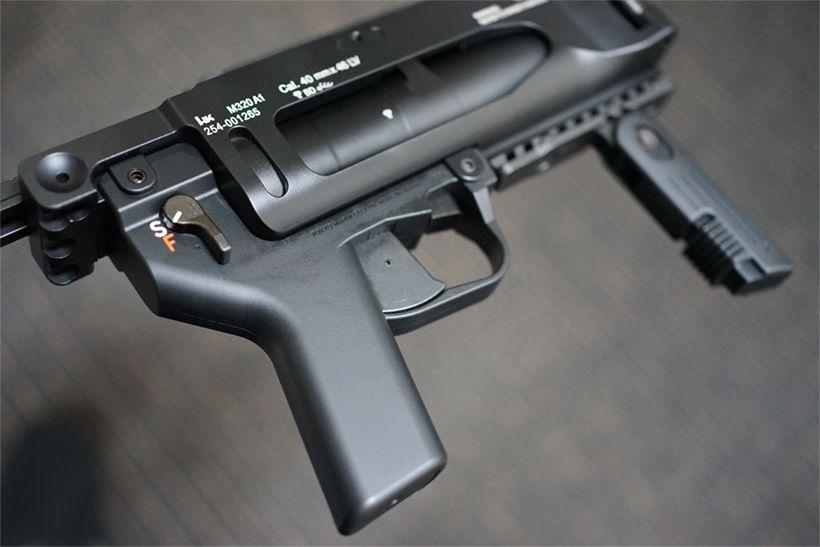 東京マルイ M320A1 ガスグレネードランチャーのグリップ