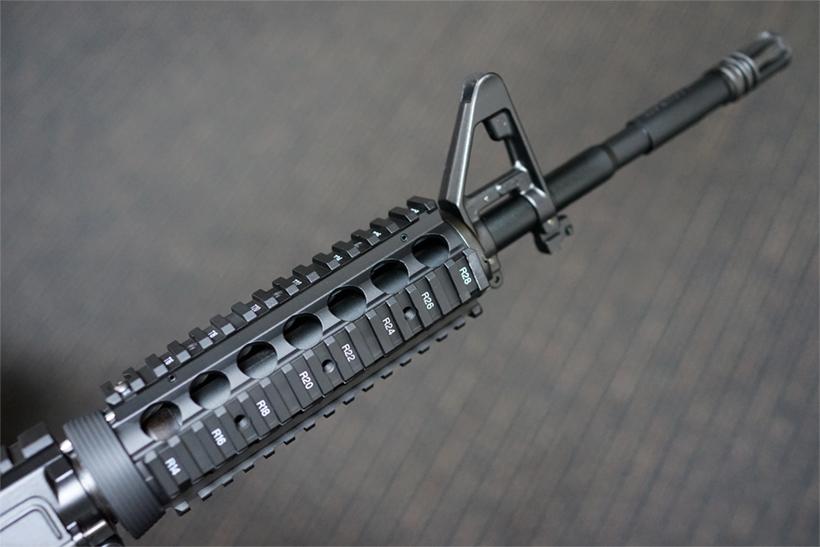 東京マルイ SOPMOD M4のレイル